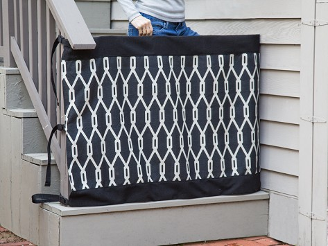 Review Of The Stair Barrier: Indoor/Outdoor Wall To Banister Stair Gate    LOVE THIS ITEM   GREAT!