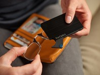 ThinOPTICS: Compact Reading Glasses with Flashcard Case