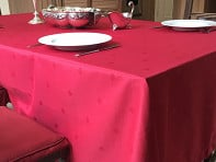 Mode Living: Holiday Stain-Resistant Table Cloth