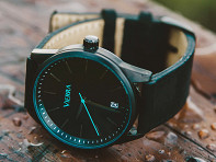 Vierra: Men's Minimalist Leather Watch