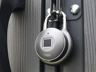 Tapplock: Smart Fingerprint Padlock