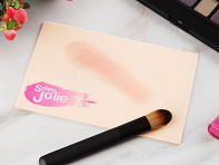Solely Jolie: Waterless Makeup Brush Cleaning Pad