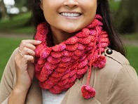 Peruvian Trading Company: Handcrafted Scalloped Neck Warmer & Hat