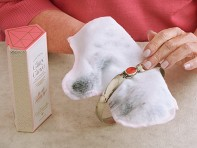Glitzy Glove Jewelry Polishing Mitt