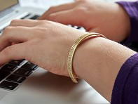 Dresscode Tech: Learn-To-Code Mantra Bracelet