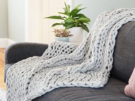 Bedford Collections: Chunky Cable Knit Throw