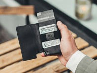 Ekster®: Parliament Slim Quick-Access Wallet