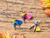 Hechizo: Worry Doll Necklace