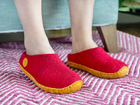 NAUSENI: Women's Wool Felt Slippers