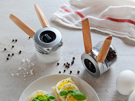 Ortwo by Dreamfarm: One-Handed Spice & Pepper Grinder