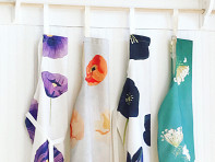 India & Purry by Jessica Hollander: Floral Cotton Apron