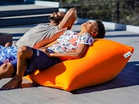 Yogibo: Zoola Short Bean Bag Pillow