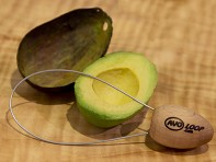 Avoloop: Fruit and Vegetable Peeler