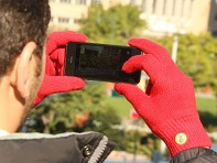 Glove.ly: Cozy Insulated Touchscreen Gloves