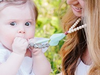 Mama & Little: Frida Silicone Teething Necklace