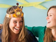 Heart the Moment: Wearable Crown Greeting Cards