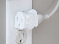 Hug-A-Plug: 4 Pack Outlet Adapter
