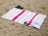 The Tillow: Pillowed Beach Towel