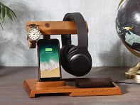 ThomasWork: Wooden Valet Charging Station