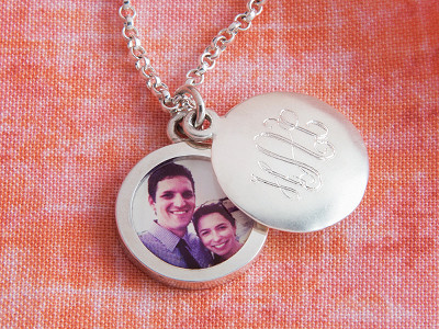 PlanetJill: Monogram Photo Locket