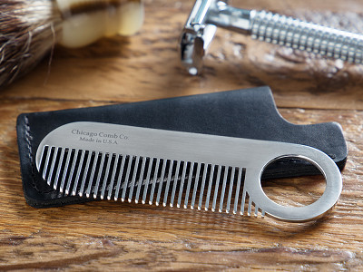 Chicago Comb Co.: Comb Model No. 2 & Sheath