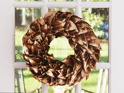 The Magnolia Company: Lacquered Magnolia Leaf Wreath