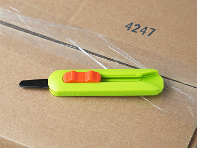 Canary: Sawtooth Blade Box Cutter