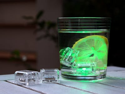 Glo Drinks: Light-Up Drink Cubes