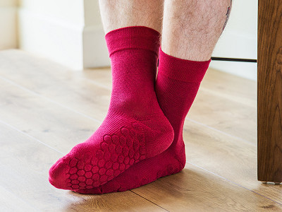 NeverQuit: Anti-Odor Comfort Crew Socks