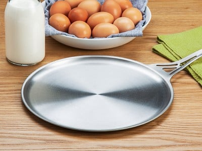 nöni by SOLIDTEKNICS: Stainless Steel Flat Skillet