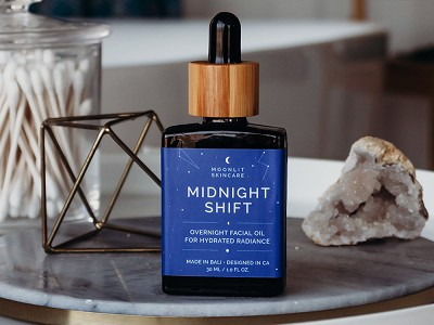 Moonlit Skincare: Nighttime Hydrating Facial Oil