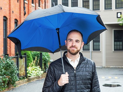 KAZbrella: Reverse Open Drip-Proof Umbrella