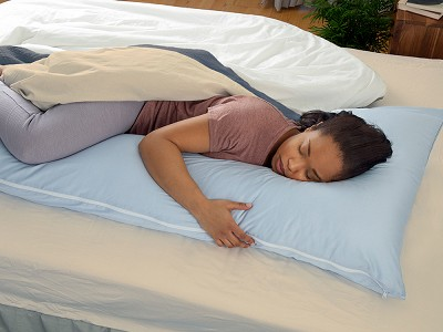 The snuggL Company: L-Shaped Body Pillow & Case