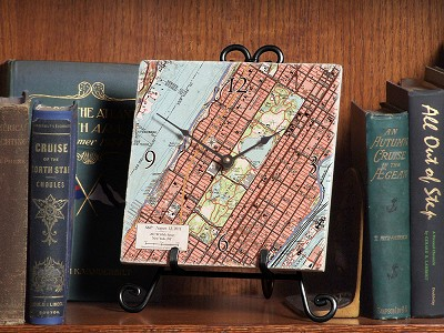 ScreenCraft Gifts: Custom Map Clock with Easel