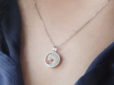 Dune Jewelry: Wave Necklace