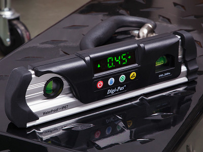 Digi-Pas: Waterproof Torpedo Digital Level