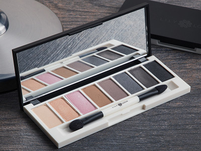 Lily Lolo: All-Natural Eye Shadow Palette