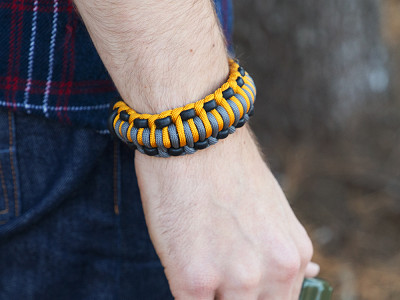 Wazoo Survival Gear: Mountaineer Bracelet