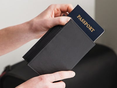 Allett: RFID Passport Wallet