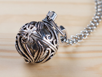 Yourself Expression: Spiral Design Angel Locket